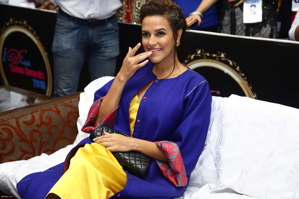 Neha-Dhupia-during-the-I-Diva-Salon-Awards-on-22nd-Sept-2016-8.jpg