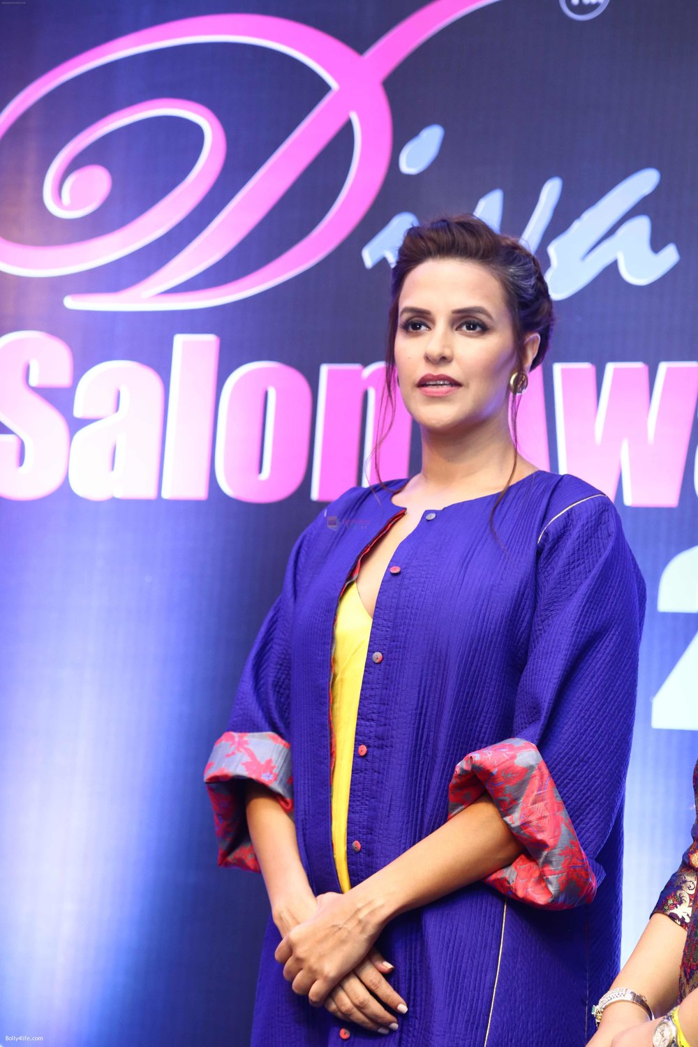 Neha-Dhupia-during-the-I-Diva-Salon-Awards-on-22nd-Sept-2016-17.jpg