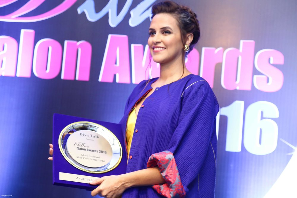Neha-Dhupia-during-the-I-Diva-Salon-Awards-on-22nd-Sept-2016-18.jpg