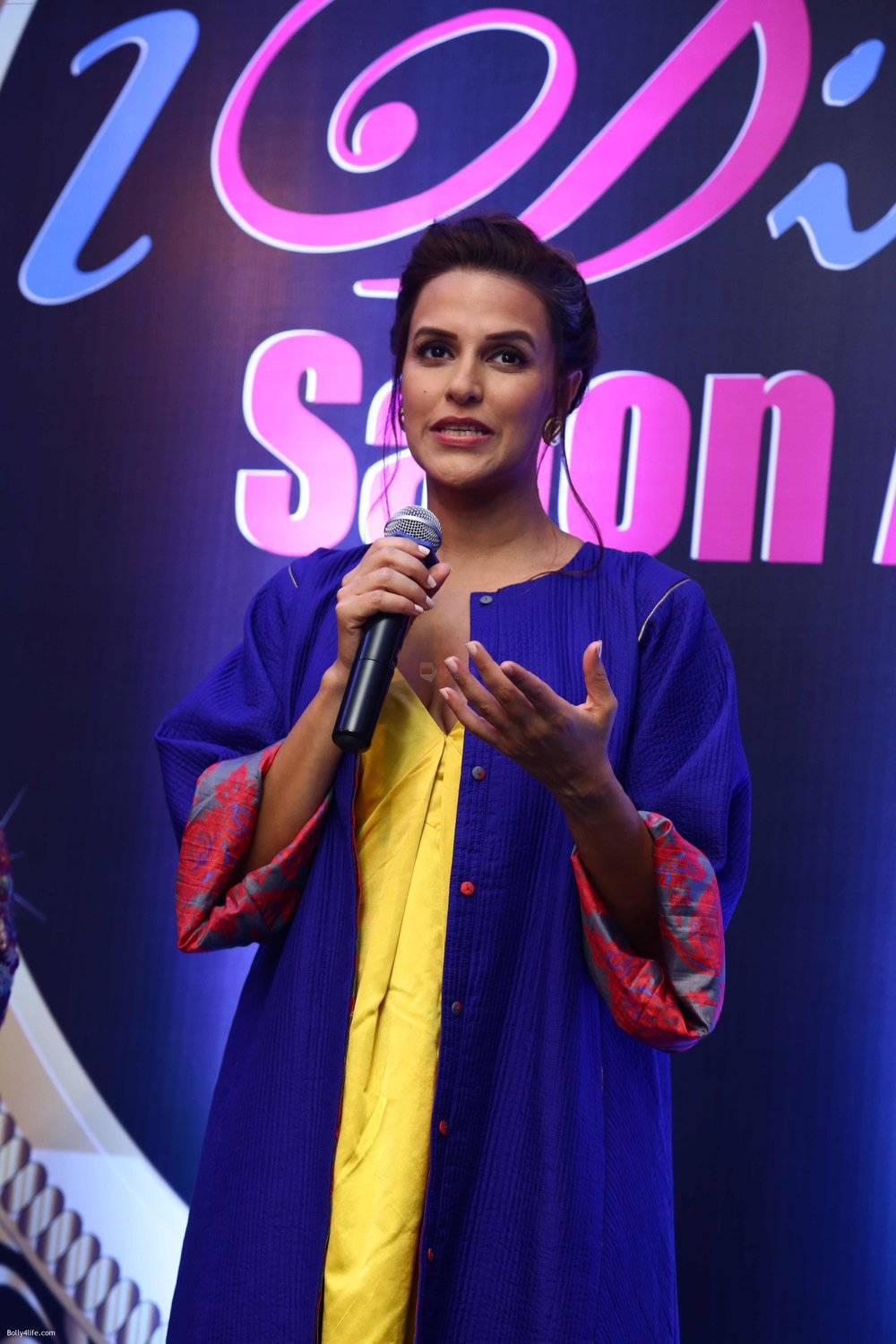 Neha-Dhupia-during-the-I-Diva-Salon-Awards-on-22nd-Sept-2016-20.jpg