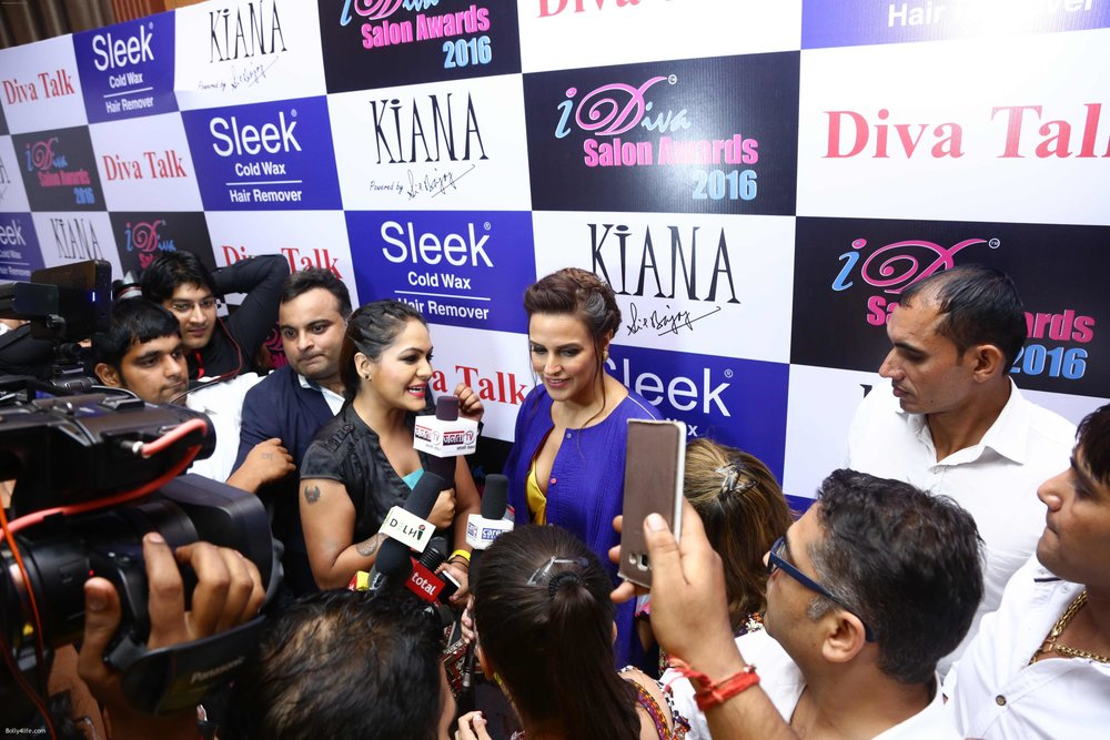 Neha-Dhupia-during-the-I-Diva-Salon-Awards-on-22nd-Sept-2016-21.jpg