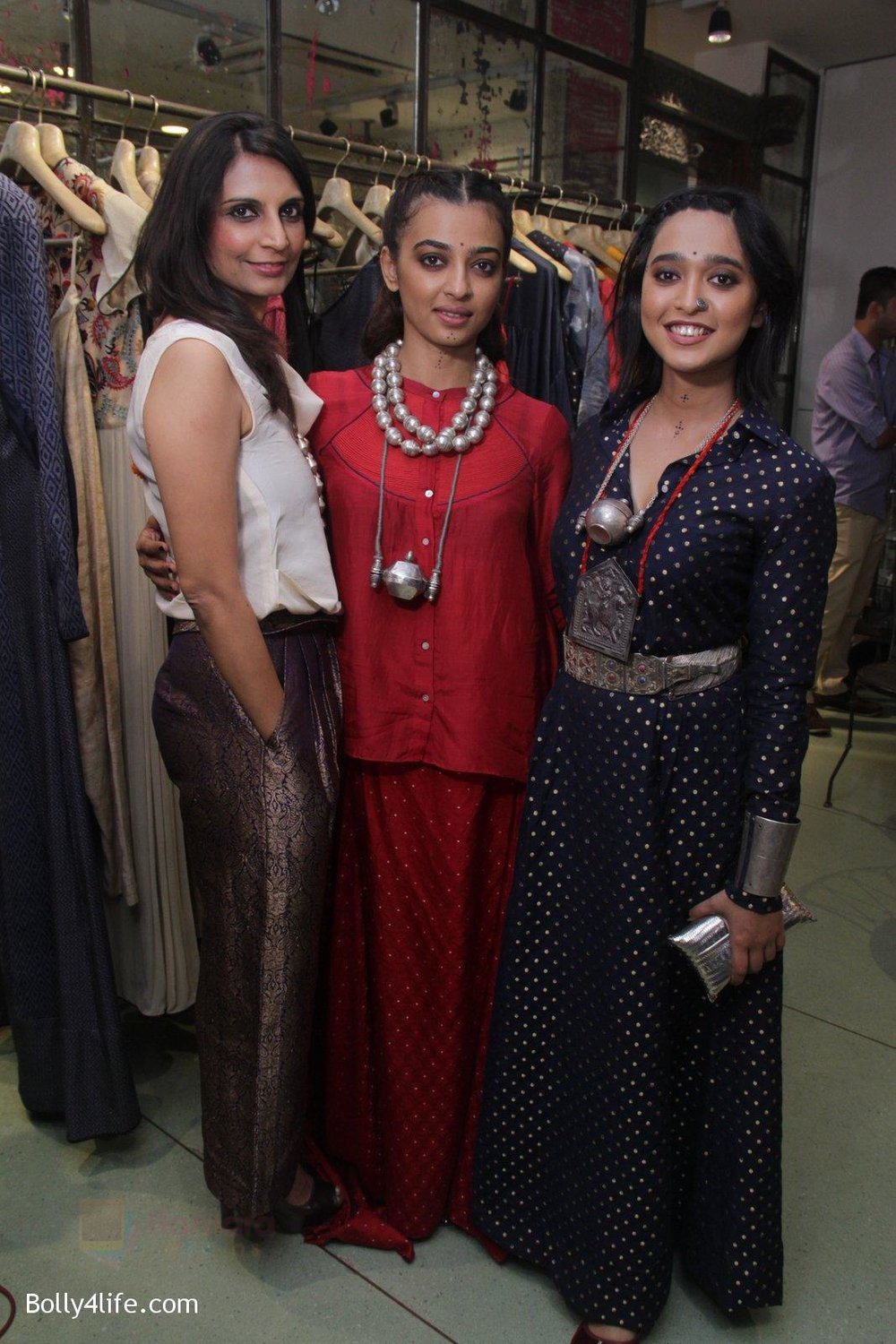 Radhika-Apte-Sayani-Gupta-unveil-Festive-Edit-of-new-Luxury-Pret-label-AMOH-by-Designers-Monica-Karishma-of-JADE-on-26th-Sept-2016-34.jpg