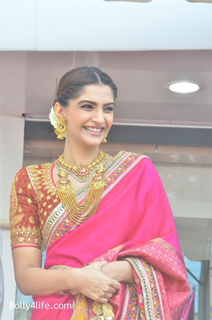prabhu_sonam_kapoor_kalyan_jewellers_anna_nagar_showroom_launch_photos_168754f.jpg