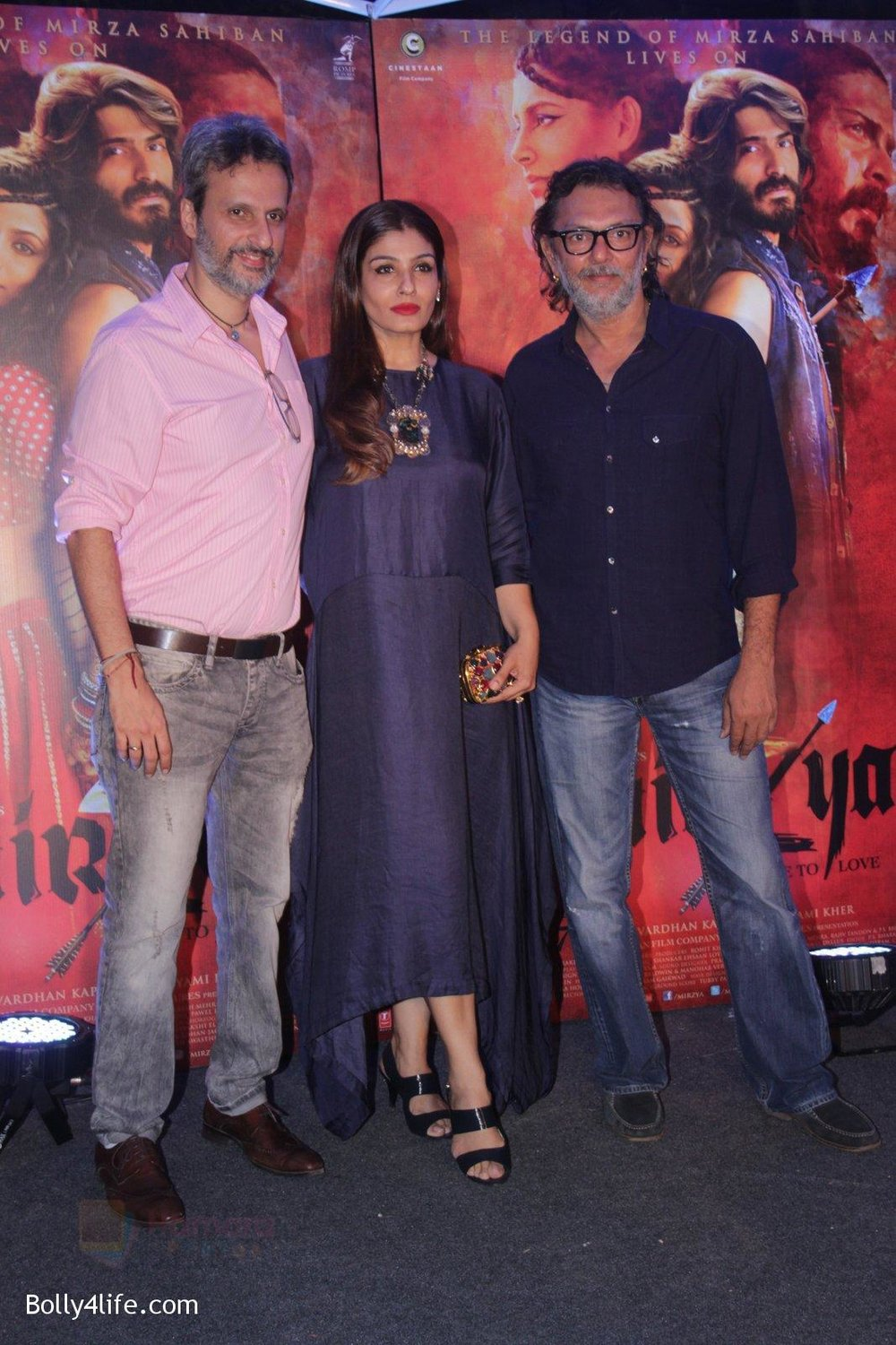 Raveena-Tandon-at-Mirzya-Success-party-71.jpg