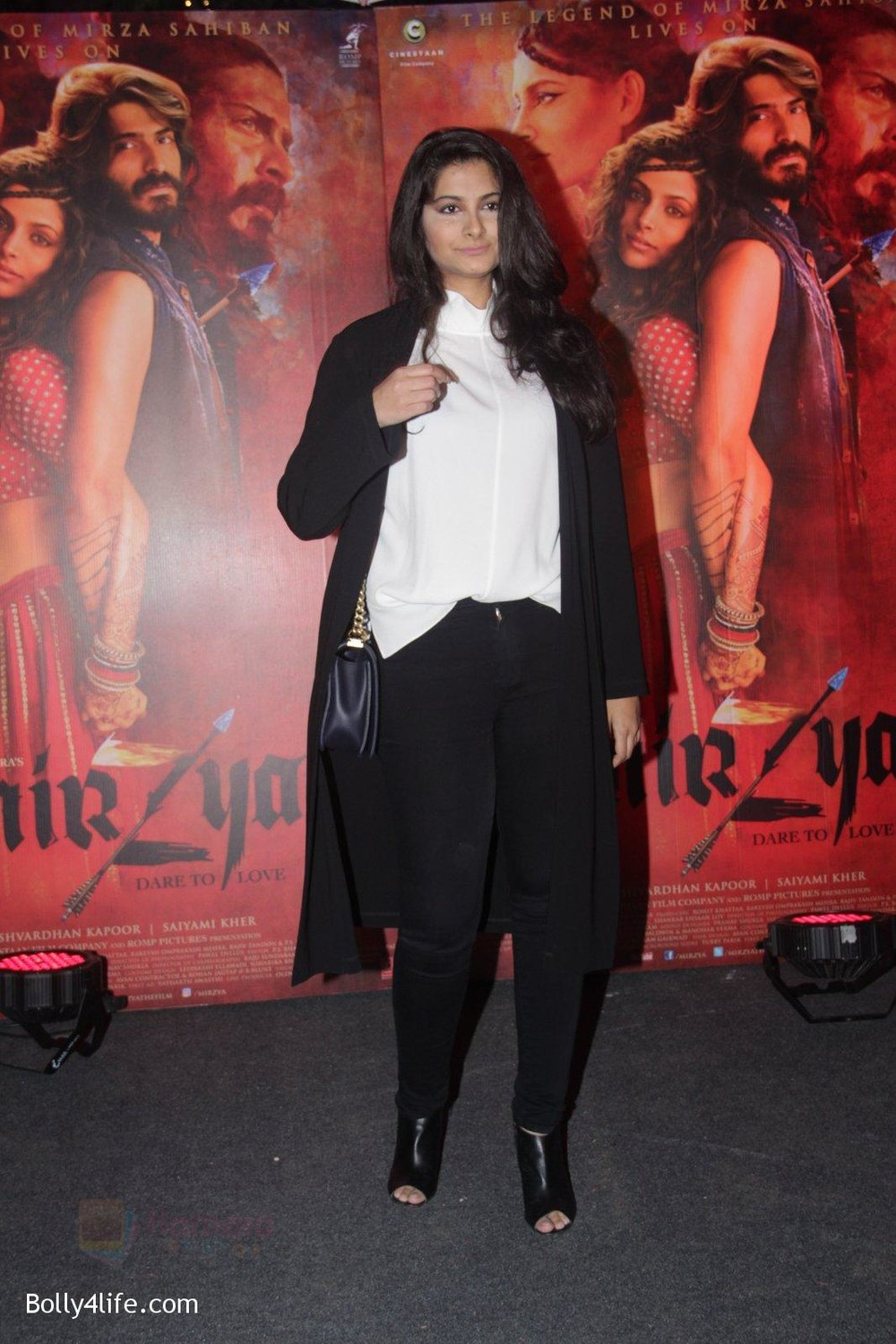 Rhea-Kapoor-at-Mirzya-Success-party-22.jpg