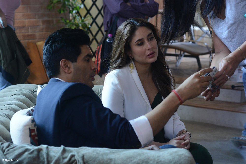 Kareena-Kapoor-and-Manish-Malhotra-at-the-shoot-of-Vogue-BFFs-on-COLORS-Infinity.jpg