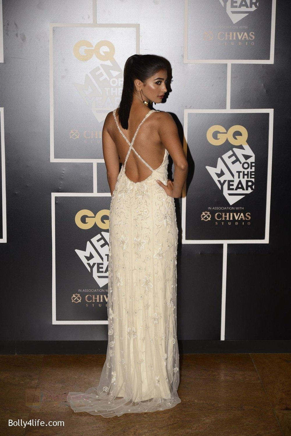 Pooja-Hegde-at-GQ-MEN-OF-THE-YEAR-on-27th-Sept-2016-995.jpg