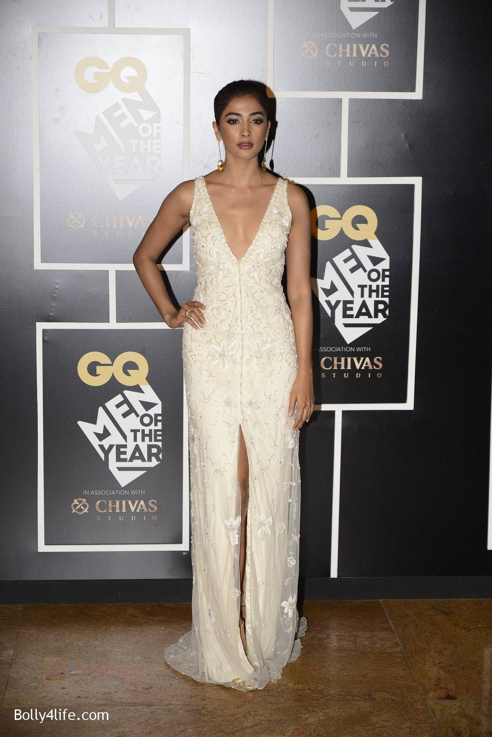 Pooja-Hegde-at-GQ-MEN-OF-THE-YEAR-on-27th-Sept-2016-997.jpg