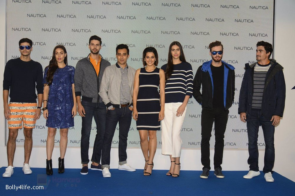 Taapsee-pannu-and-rahul-khanna-at-nautica-event-on-28th-Sept-2016-17.jpg