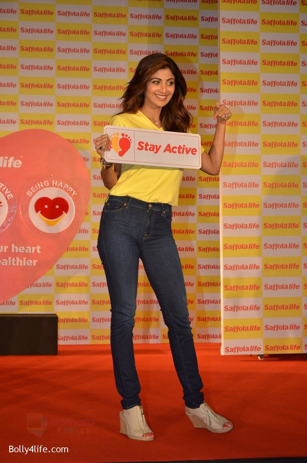 Shilpa-Shetty-during-the-World-Heart-Day-program-organized-by-Saffola-Life-in-Mumbai-on-28th-Sept-2016-8.jpg