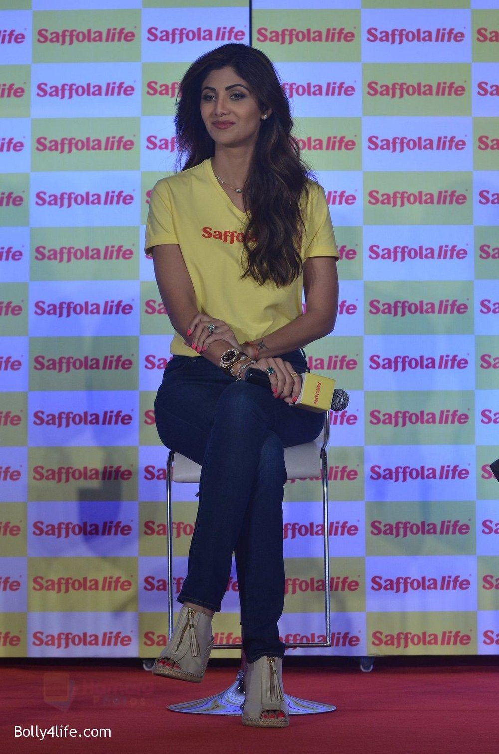Shilpa-Shetty-during-the-World-Heart-Day-program-organized-by-Saffola-Life-in-Mumbai-on-28th-Sept-2016-54.jpg
