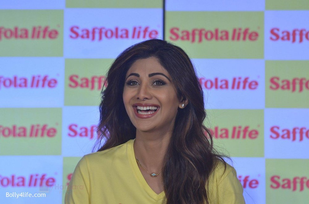 Shilpa-Shetty-during-the-World-Heart-Day-program-organized-by-Saffola-Life-in-Mumbai-on-28th-Sept-2016-74.jpg