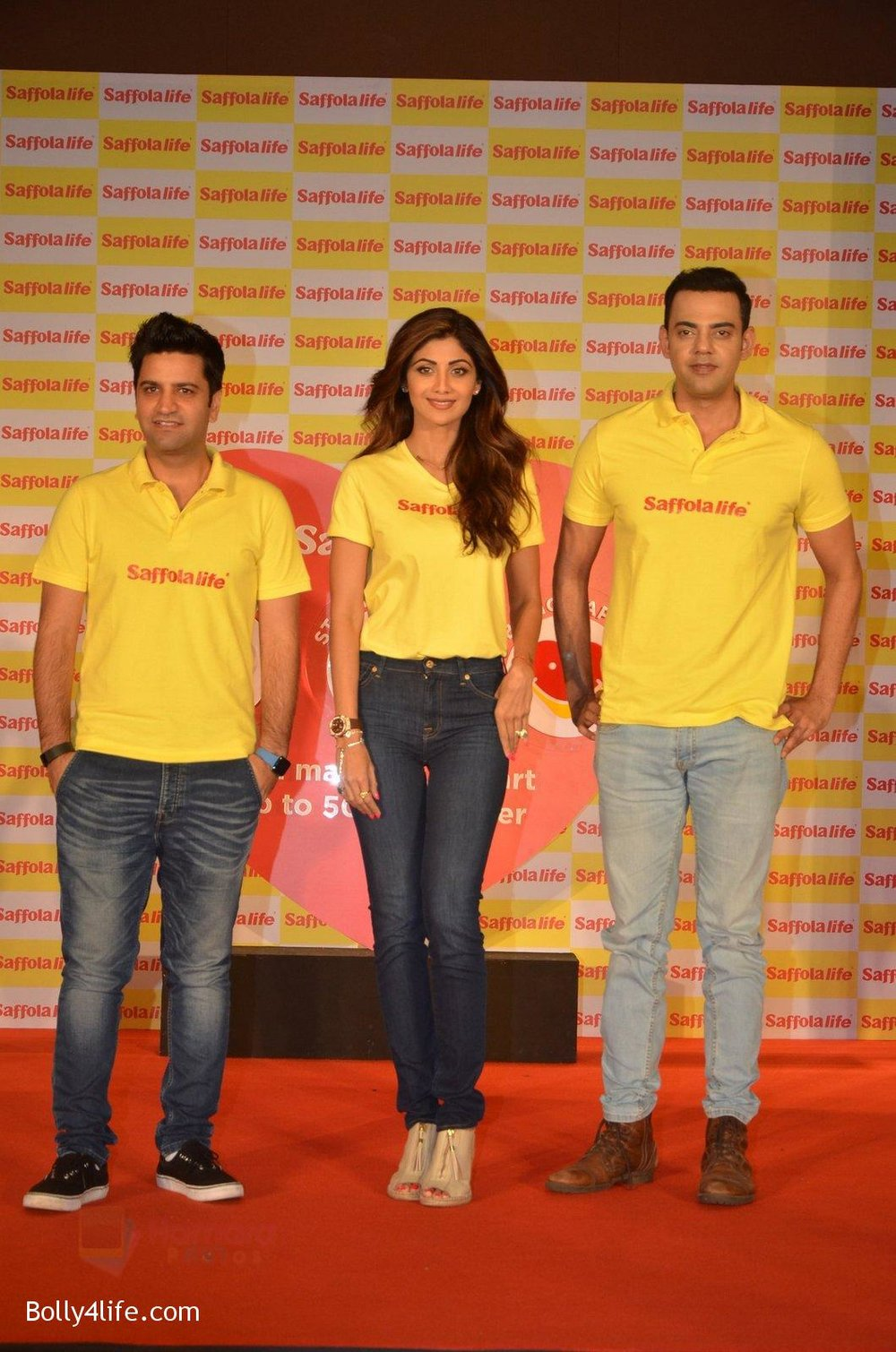 Shilpa-Shetty-Kunal-Kapur-Cyrus-Sahukar-during-the-World-Heart-Day-program-organized-by-Saffola-Life-in-Mumbai-on-28th-Sept-2016-59.jpg