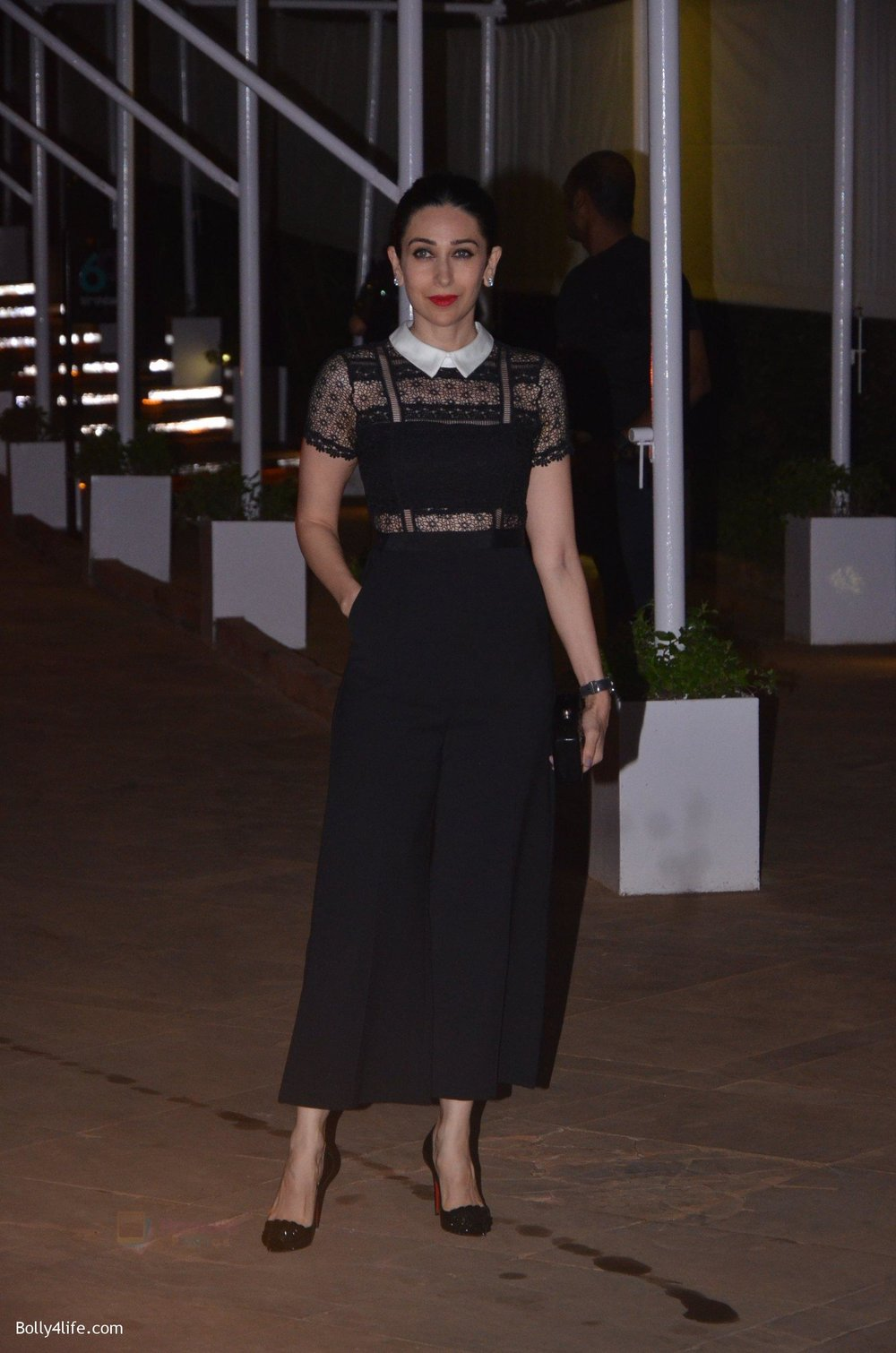 Karisma-Kapoor-at-Reema-jain-bday-party-in-Amadeus-NCPA-on-28th-Sept-2016-744.jpg