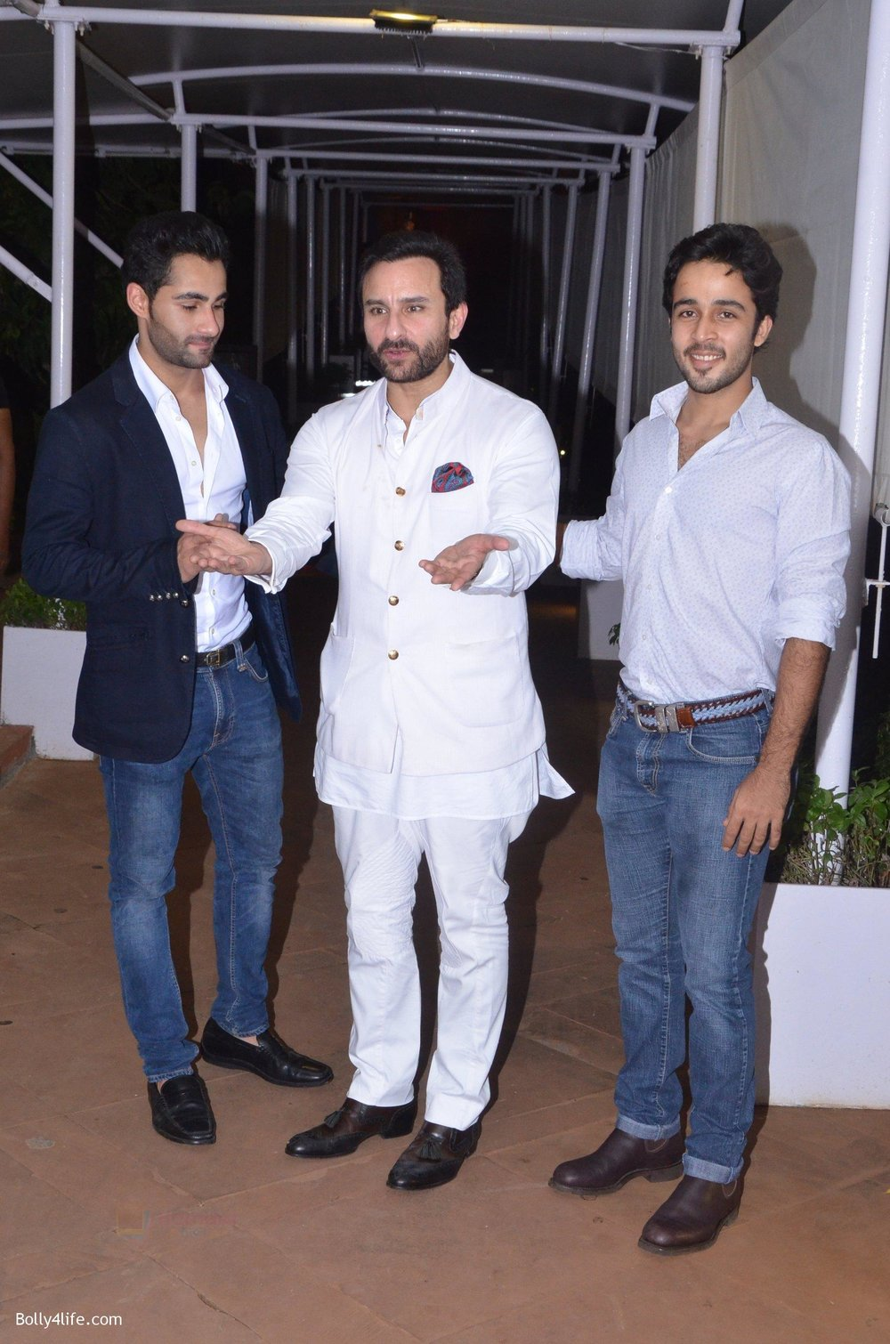 Saif-Ali-Khan-Armaan-Jain-at-Reema-jain-bday-party-in-Amadeus-NCPA-on-28th-Sept-2016-1088.jpg