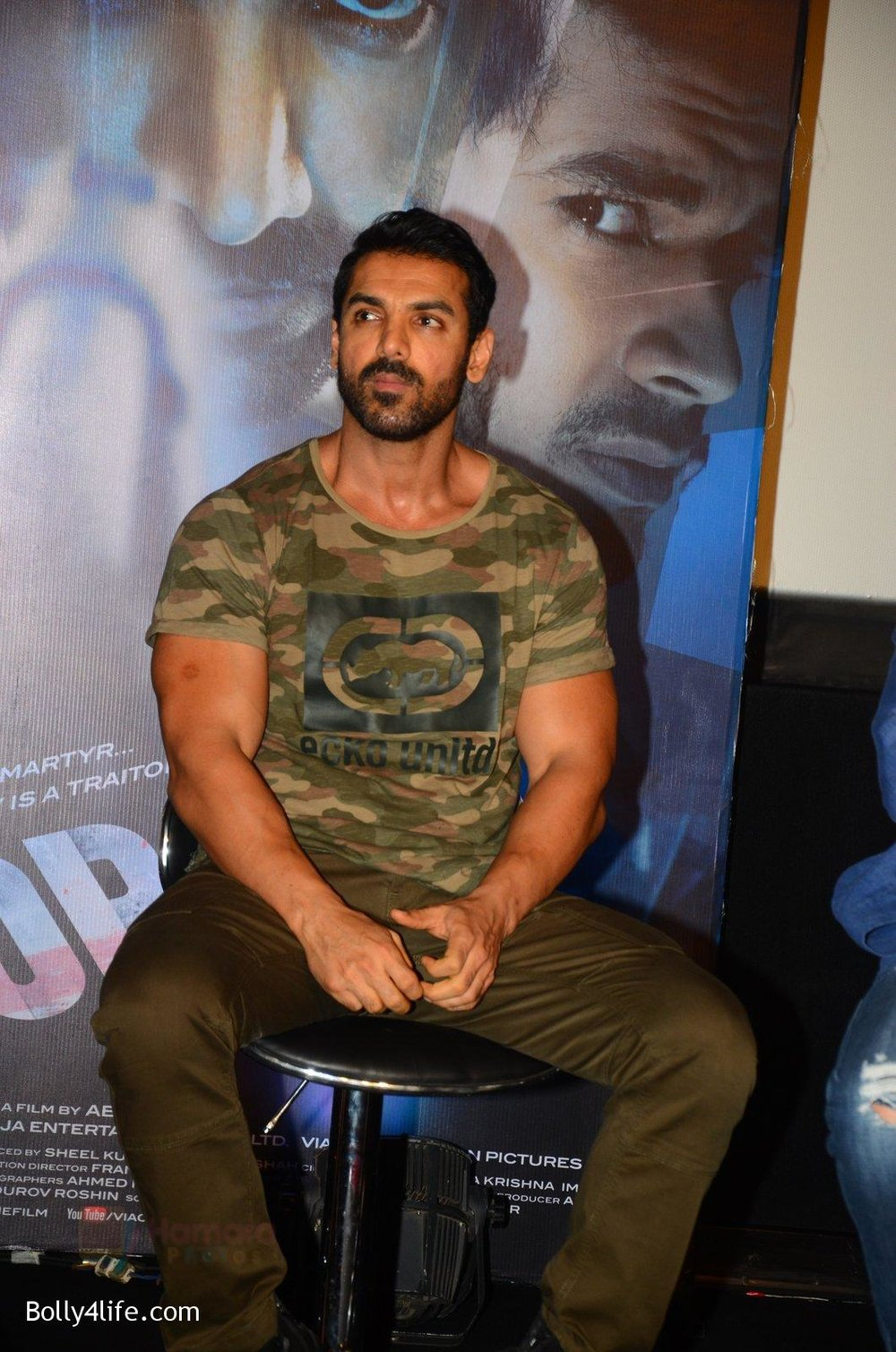 John-Abraham-at-Force-2-trailer-launch-in-Mumbai-on-29th-Sept-2016-324.jpg