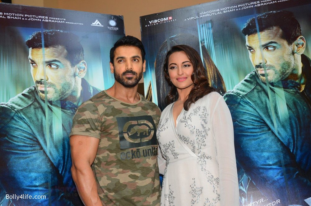 John-Abraham-Sonakshi-Sinha-at-Force-2-trailer-launch-in-Mumbai-on-29th-Sept-2016-217.jpg