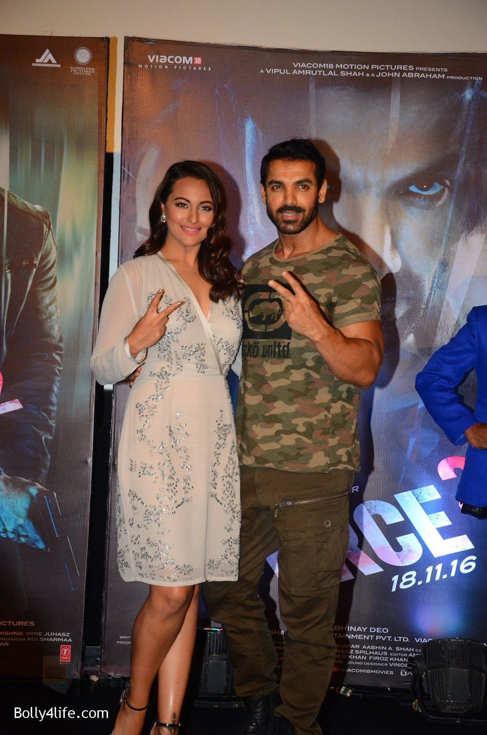 John-Abraham-Sonakshi-Sinha-at-Force-2-trailer-launch-in-Mumbai-on-29th-Sept-2016-223.jpg