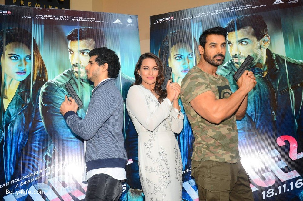 John-Abraham-Sonakshi-Sinha-Tahir-Bhasin-at-Force-2-trailer-launch-in-Mumbai-on-29th-Sept-2016-292.jpg