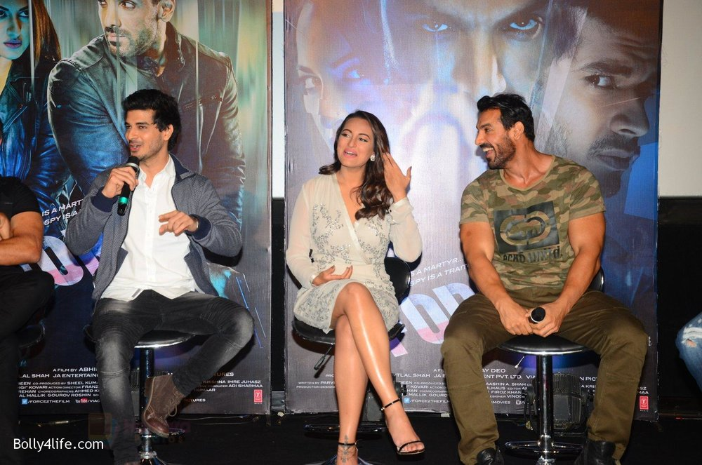 John-Abraham-Sonakshi-Sinha-Tahir-Bhasin-at-Force-2-trailer-launch-in-Mumbai-on-29th-Sept-2016-318.jpg