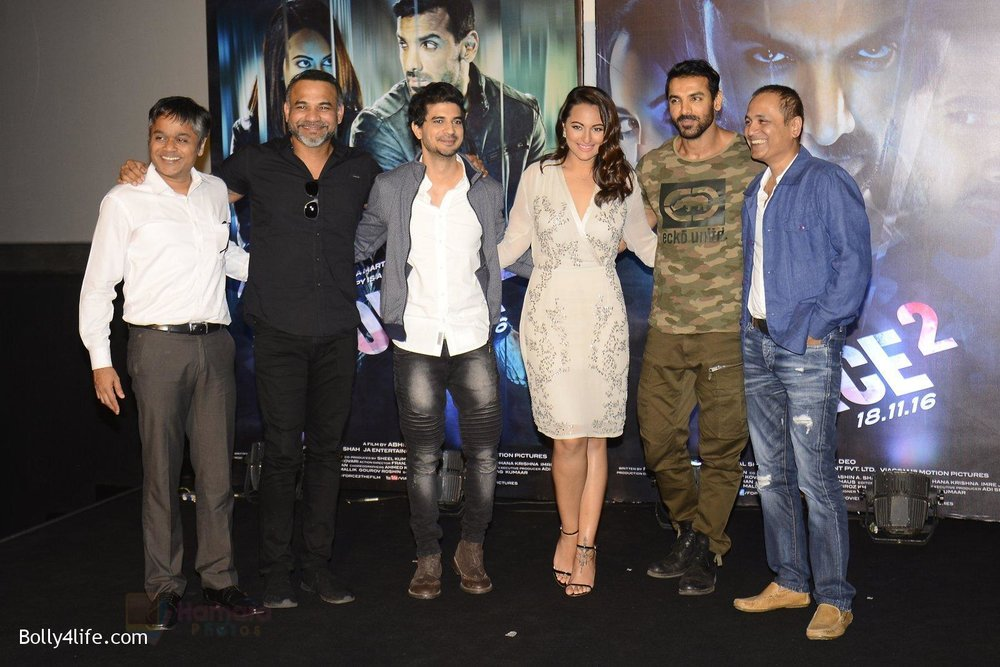John-Abraham-Sonakshi-Sinha-Tahir-Bhasin-Vipul-Shah-Abhinay-Deo-at-Force-2-trailer-launch-in-Mumbai-on-29th-Sept-2016-218.jpg