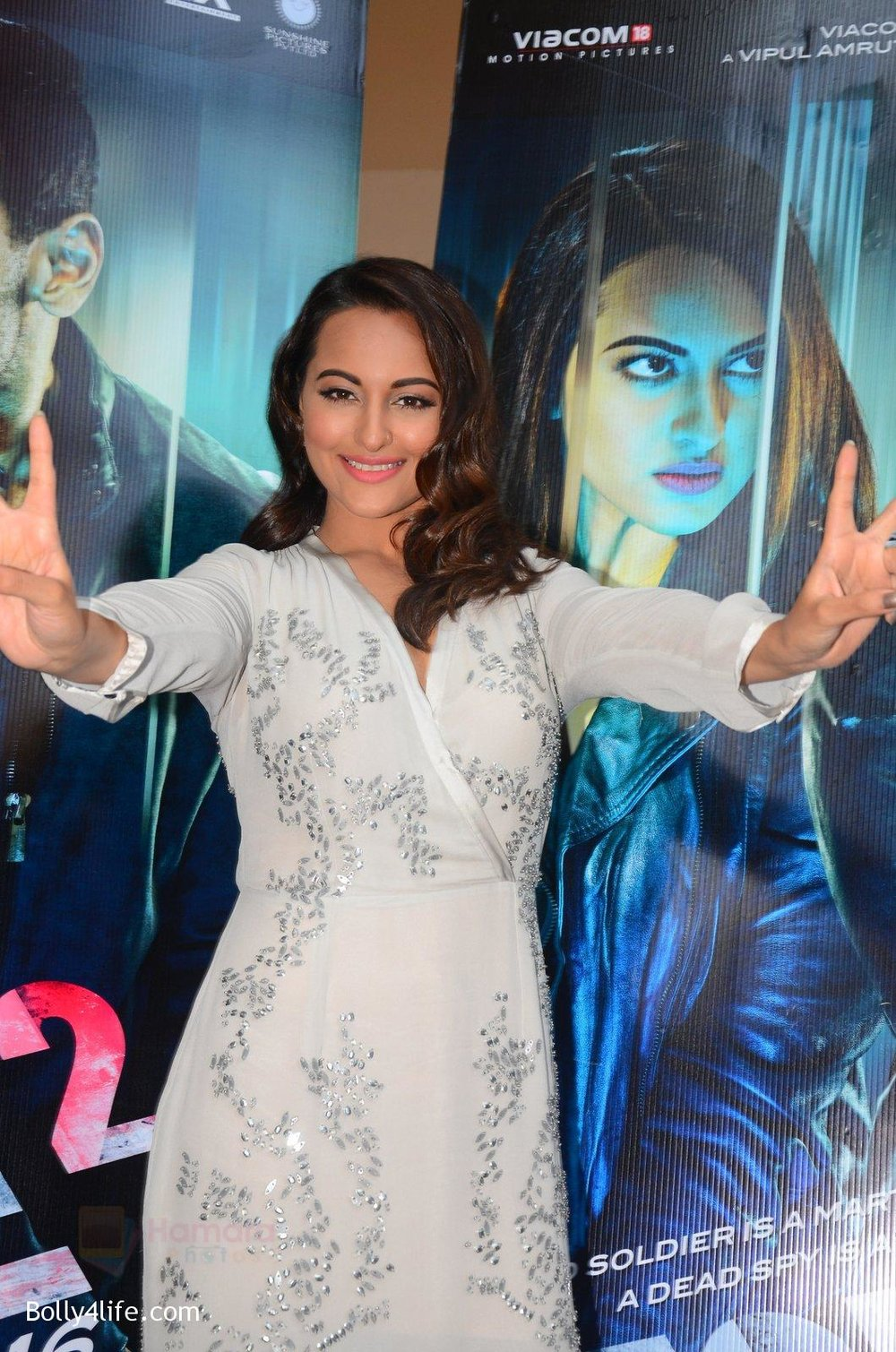 Sonakshi-Sinha-at-Force-2-trailer-launch-in-Mumbai-on-29th-Sept-2016-358.jpg