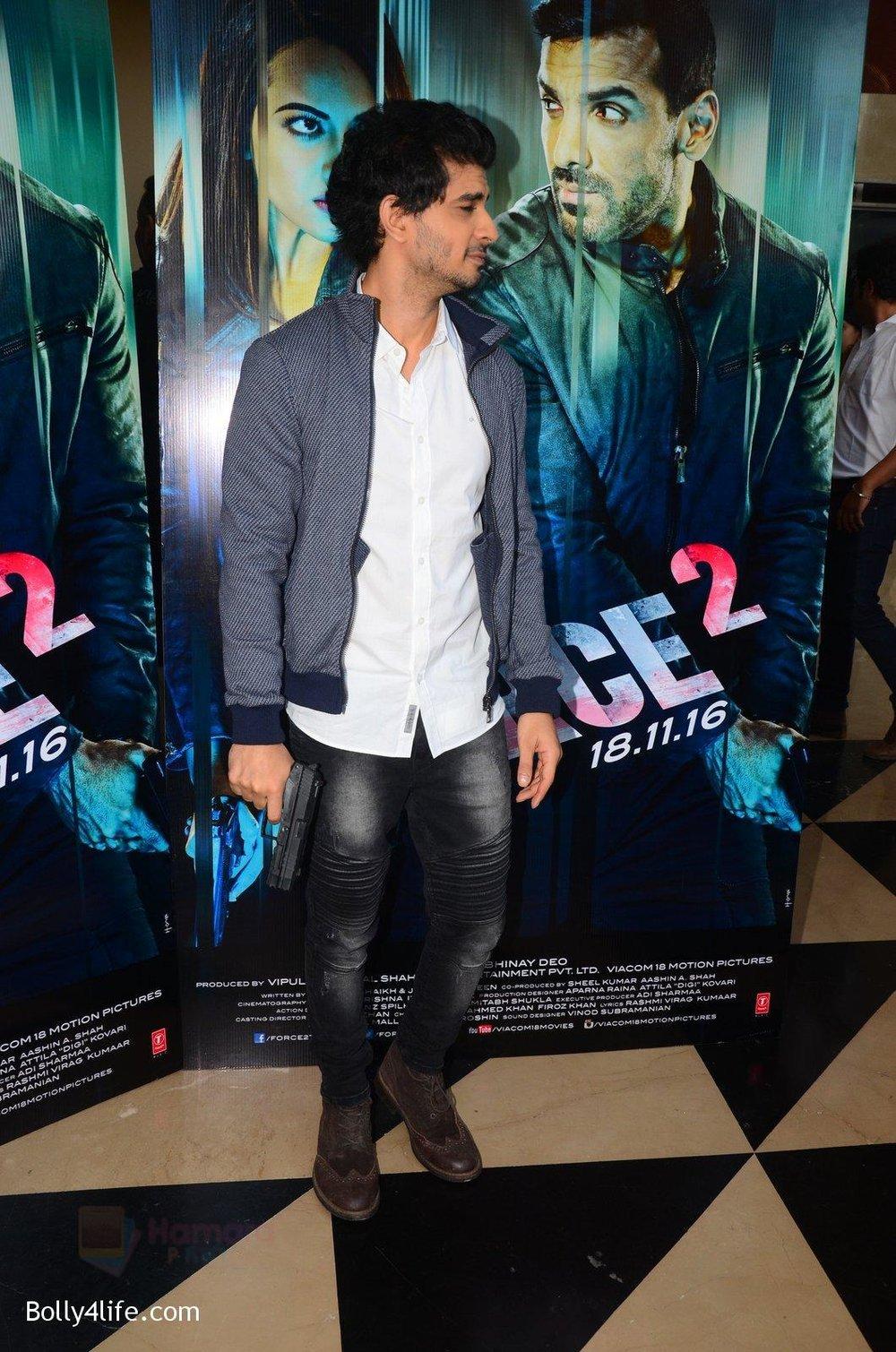 Tahir-Bhasin-at-Force-2-trailer-launch-in-Mumbai-on-29th-Sept-2016-277.jpg