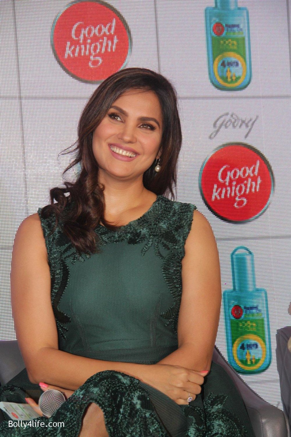 Lara-Dutta-promotes-Good-Night-on-29th-Sept-2016-6.jpg
