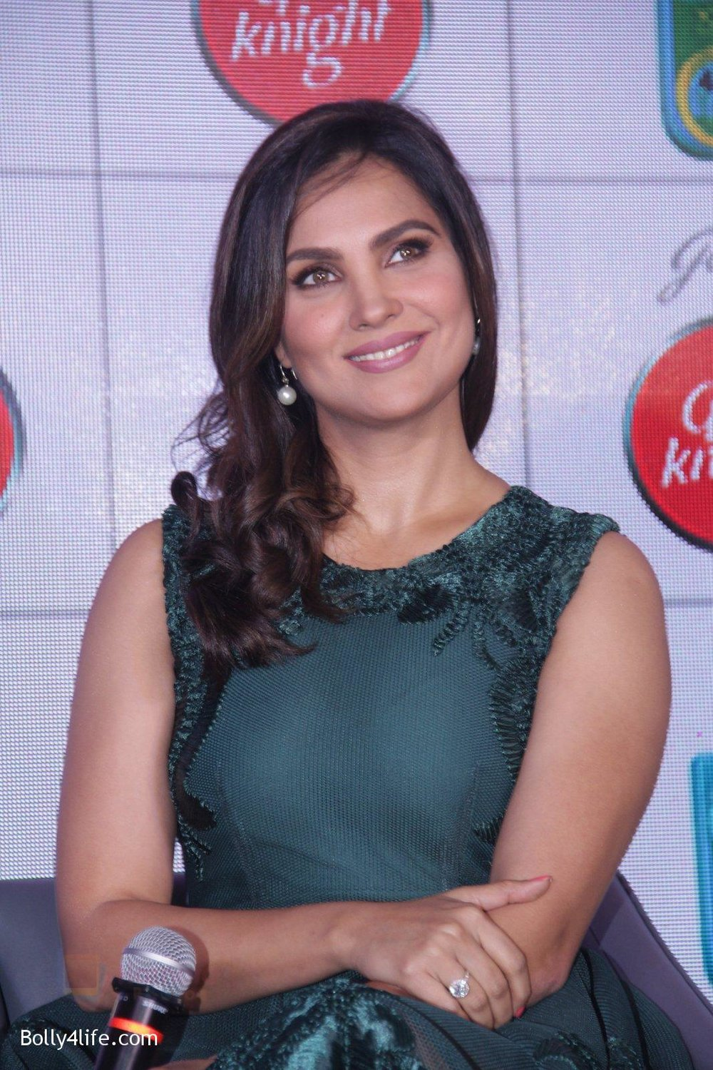 Lara-Dutta-promotes-Good-Night-on-29th-Sept-2016-15.jpg
