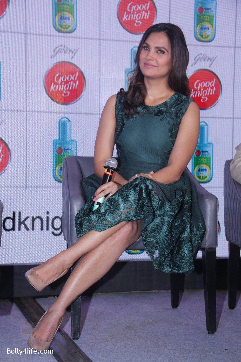Lara-Dutta-promotes-Good-Night-on-29th-Sept-2016-18.jpg