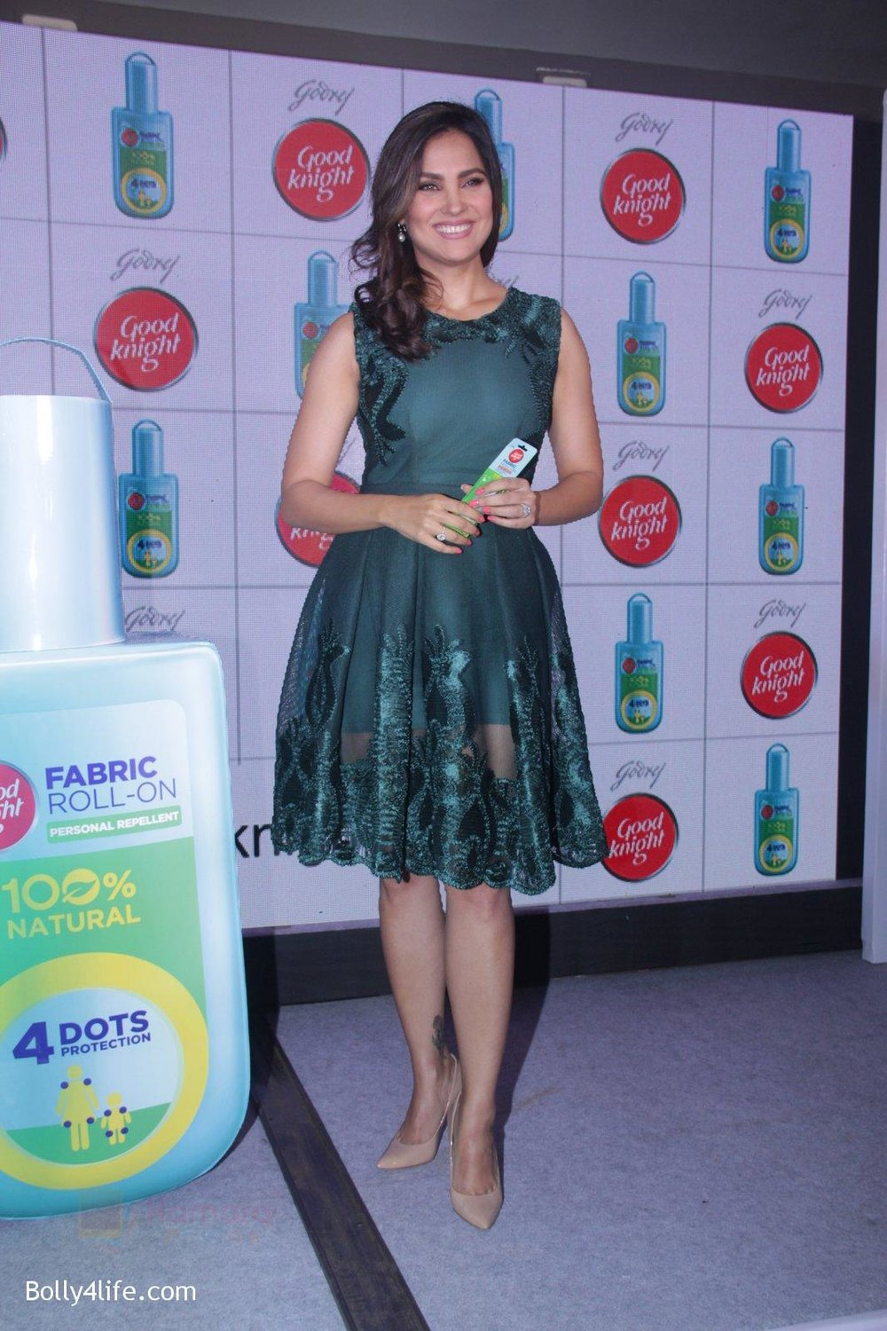 Lara-Dutta-promotes-Good-Night-on-29th-Sept-2016-31.jpg