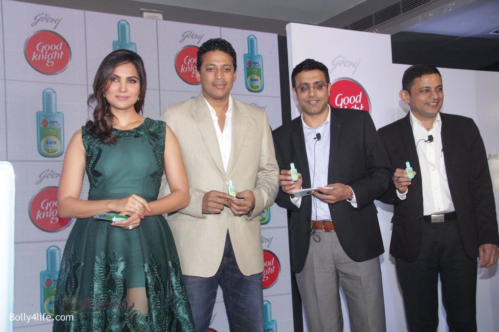 Lara-Dutta-Mahesh-Bhupathi-promotes-Good-Night-on-29th-Sept-2016-42.jpg