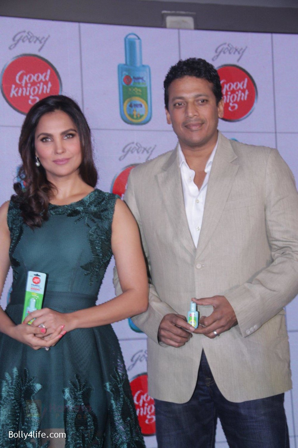 Lara-Dutta-Mahesh-Bhupathi-promotes-Good-Night-on-29th-Sept-2016-49.jpg