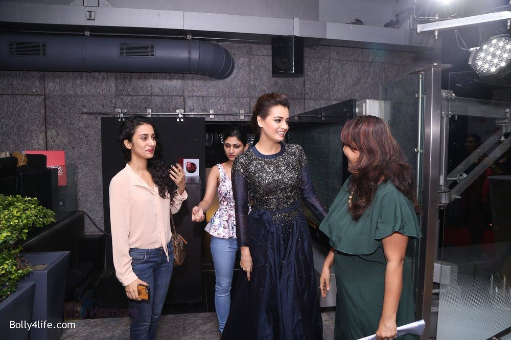 Dia-Mirza-at-Living-Foodz-anniversary-on-30th-Sept-2016-2.jpg