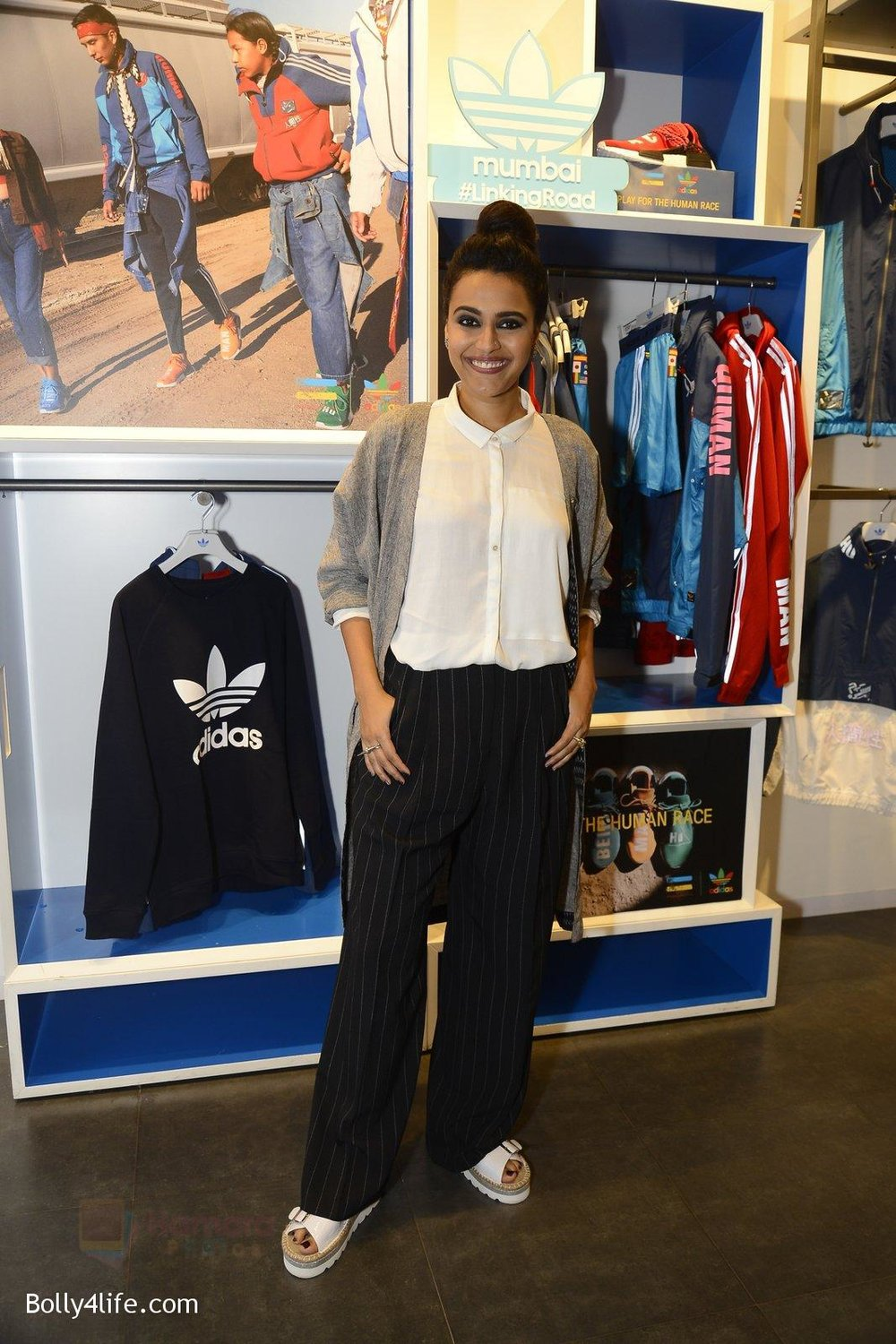Swara-Bhaskar-at-Adidas-Event-in-Mumbai-on-30th-Sept-2016-34.jpg