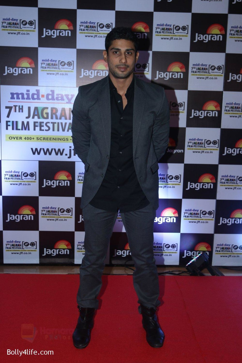 Prateik-Babbar-at-Jagran-Film-fest-awards-on-30th-Sept-2016-69.jpg