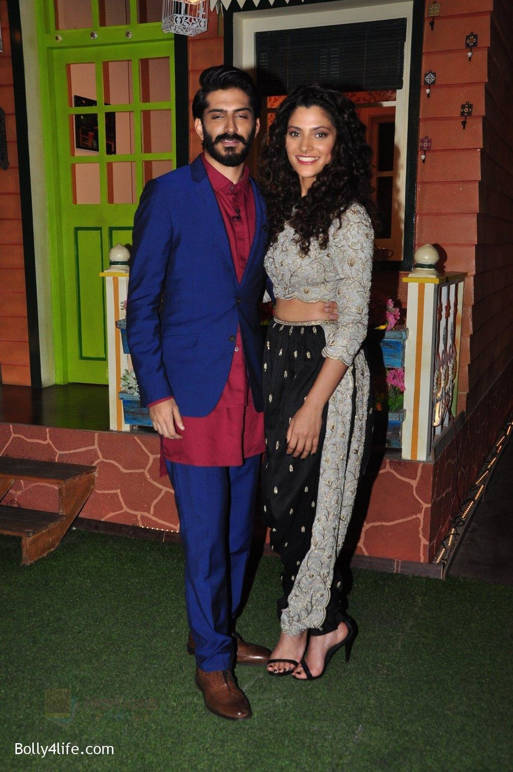 Harshvardhan-Kapoor-Saiyami-Kher-promotes-Mirzya-on-the-sets-of-The-Kapil-Sharma-Show-on-30th-Sept-2016-94.jpg