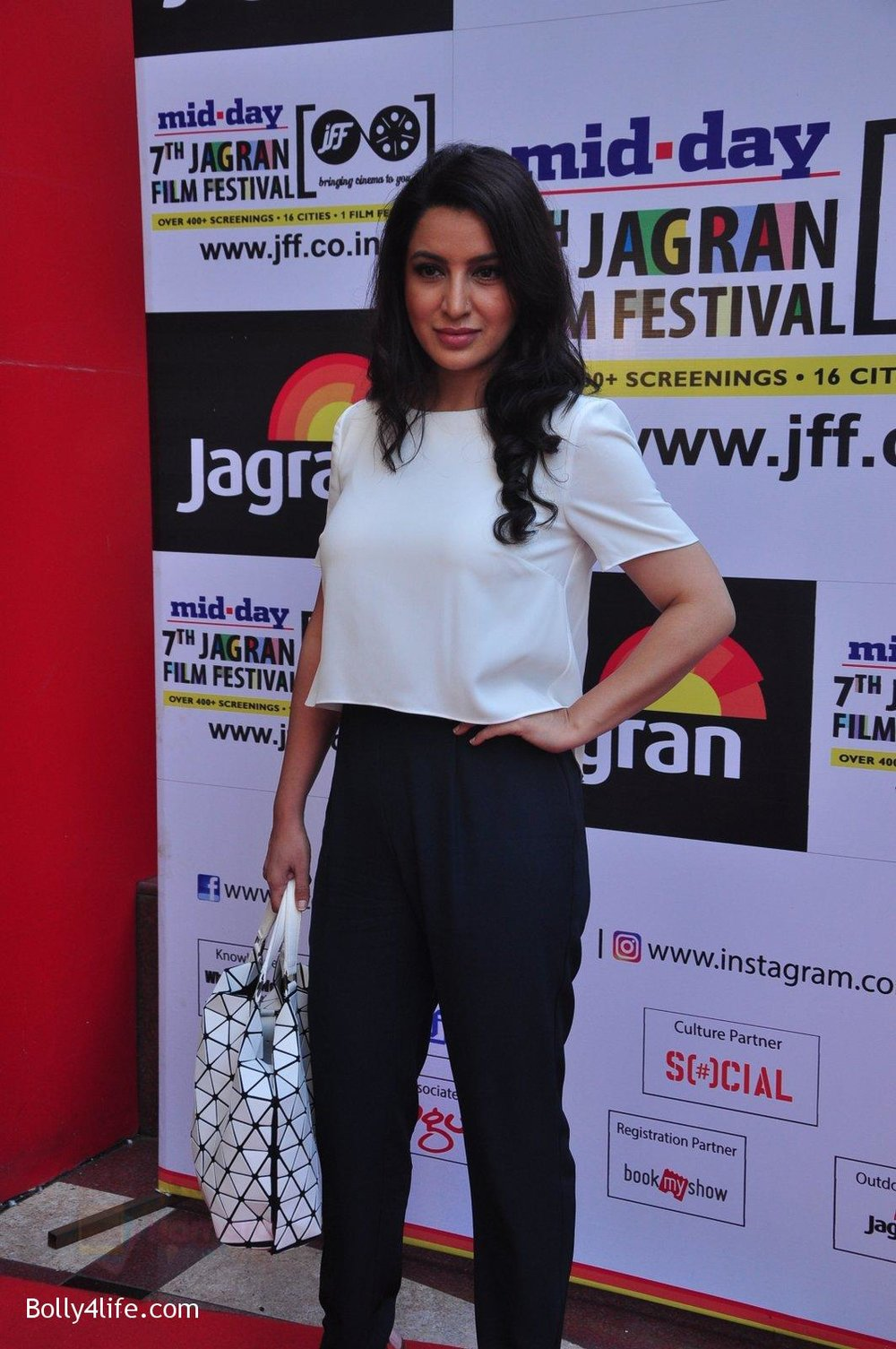 Tisca-Chopra-at-Jagran-Film-fest-screening-on-30th-Sept-2016-11.jpg