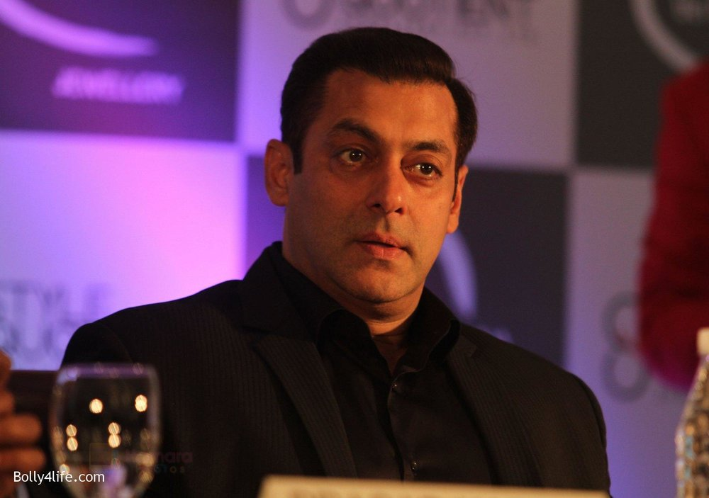 Salman-at-Being-Human-jewellery-launch-on-30th-Sept-2016-1.jpg
