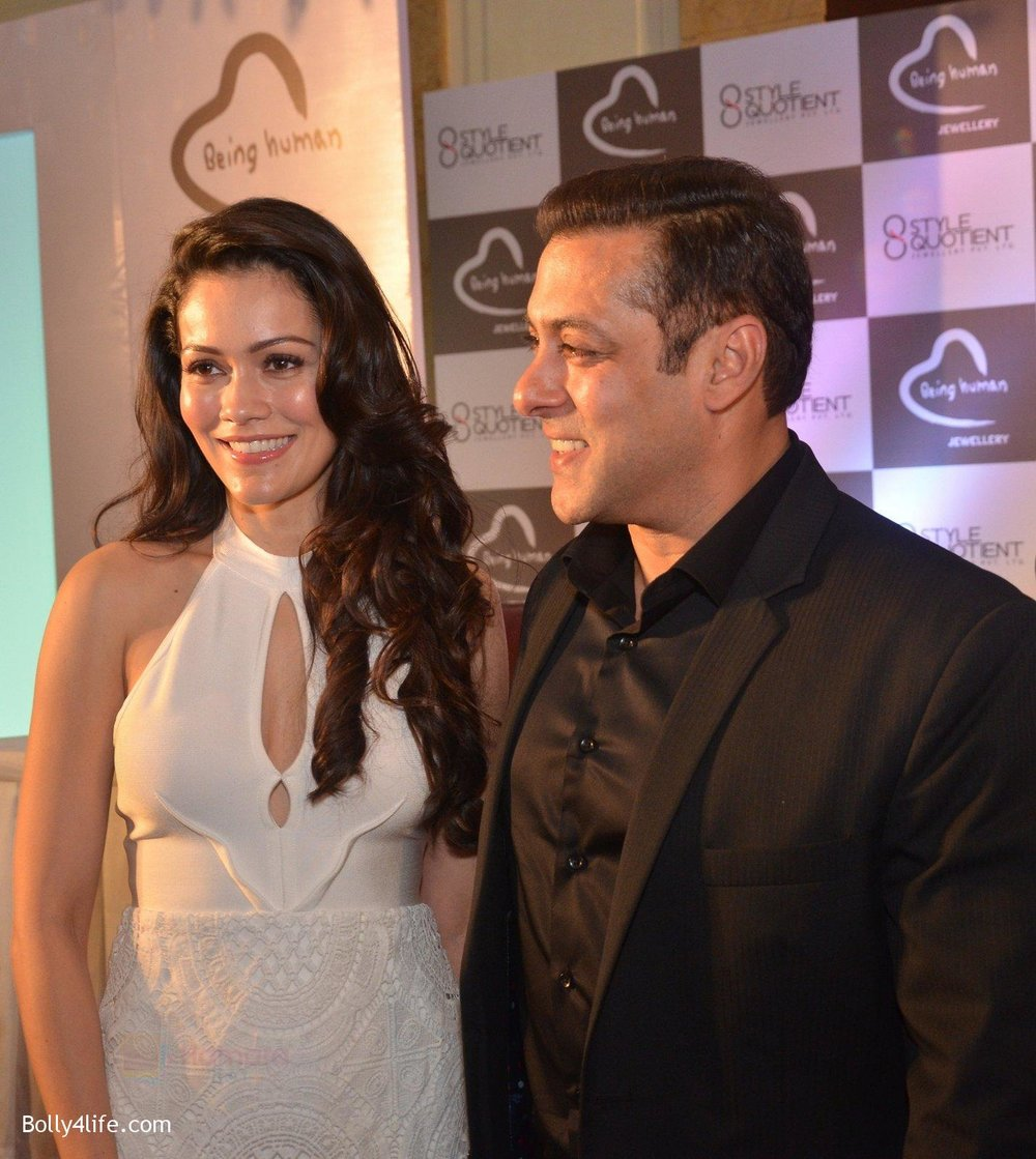 Waluscha-Salman-at-Being-Human-jewellery-launch-on-30th-Sept-2016-18.jpg