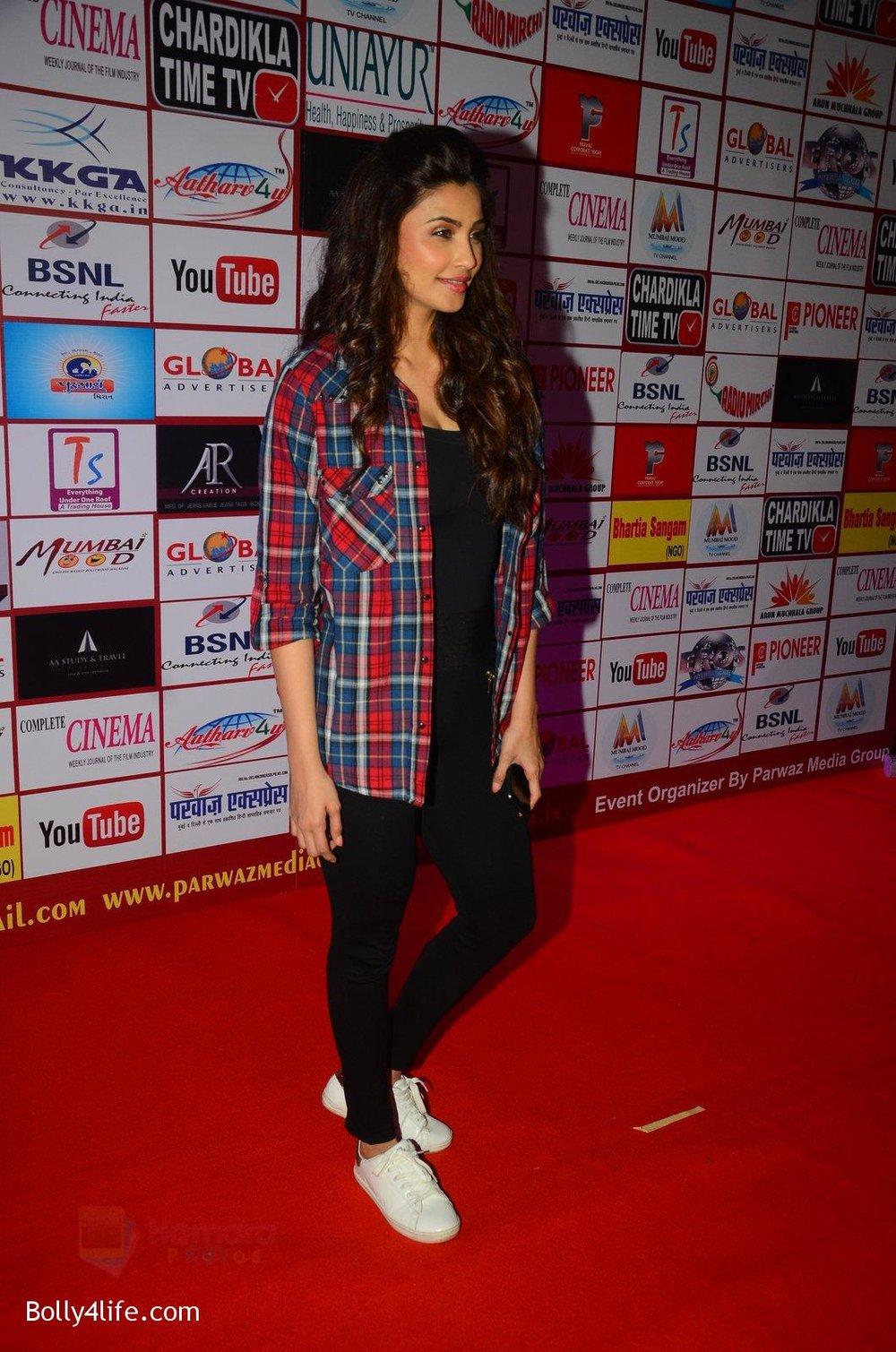 Daisy-Shah-at-TIIFA-Awards-on-1st-Oct-2016-43.jpg