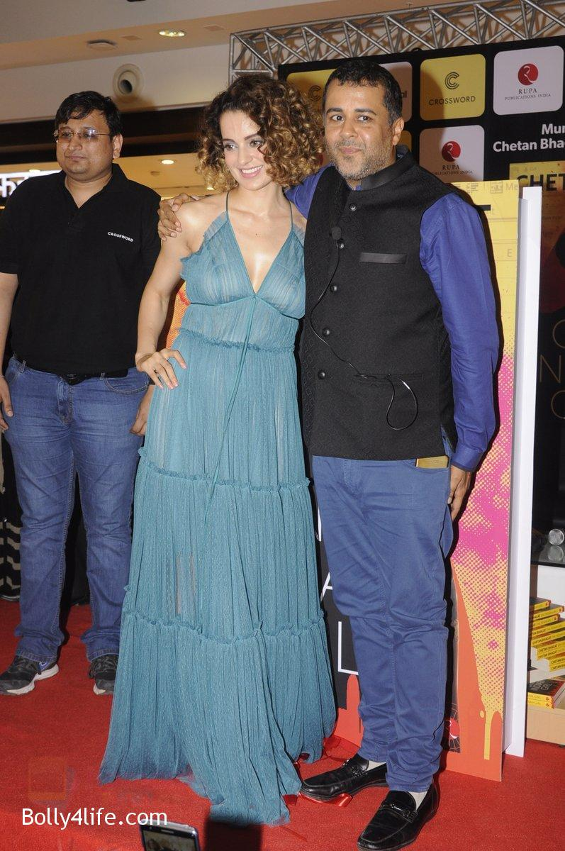 Kangana-Ranaut-at-Chetan-Bhagats-new-novel-One-Indian-Girl-launch-in-Oberoi-Mall-on-1st-Oct-2016-42.jpg
