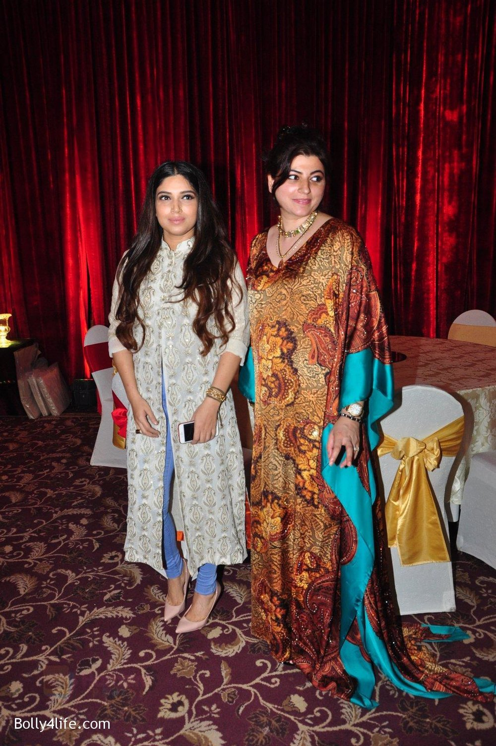 Bhumi-Pednekar-at-Naafia-Naazish-exhibition-on-1st-Oct-2016-25.jpg