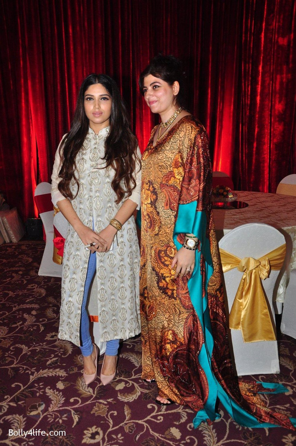 Bhumi-Pednekar-at-Naafia-Naazish-exhibition-on-1st-Oct-2016-26.jpg