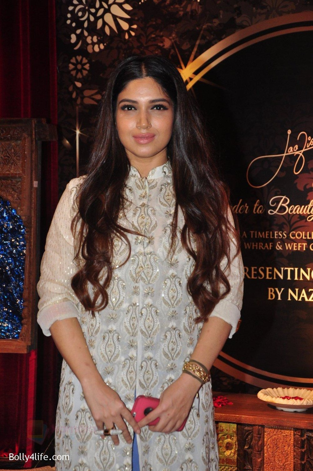 Bhumi-Pednekar-at-Naafia-Naazish-exhibition-on-1st-Oct-2016-34.jpg