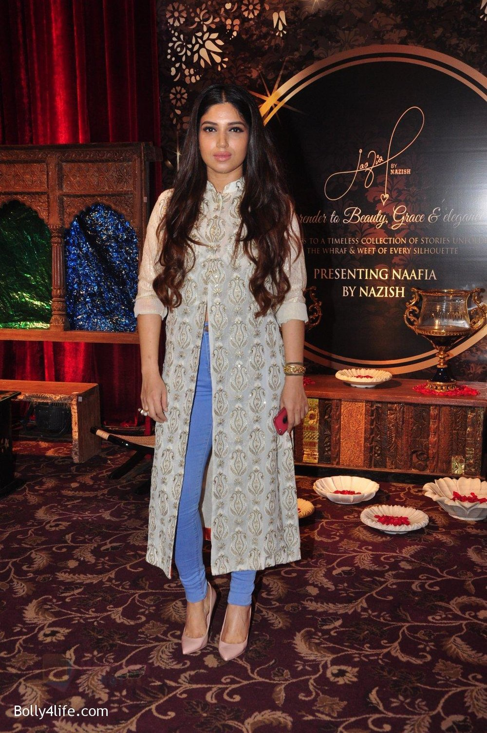 Bhumi-Pednekar-at-Naafia-Naazish-exhibition-on-1st-Oct-2016-35.jpg