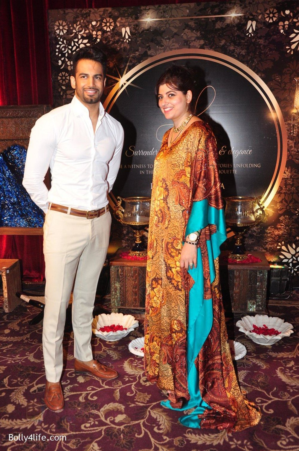 Upen-Patel-at-Naafia-Naazish-exhibition-on-1st-Oct-2016-17.jpg