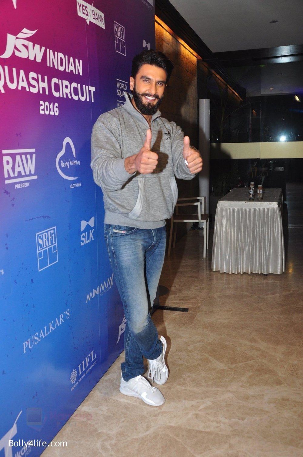 Ranveer-Singh-at-JSW-awards-function-on-2nd-Oct-2016-13.jpg