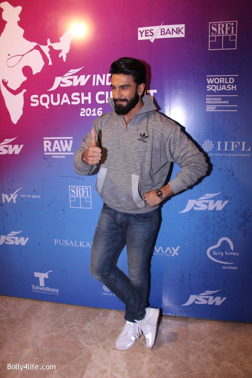 Ranveer-Singh-at-JSW-awards-function-on-2nd-Oct-2016-32.jpg