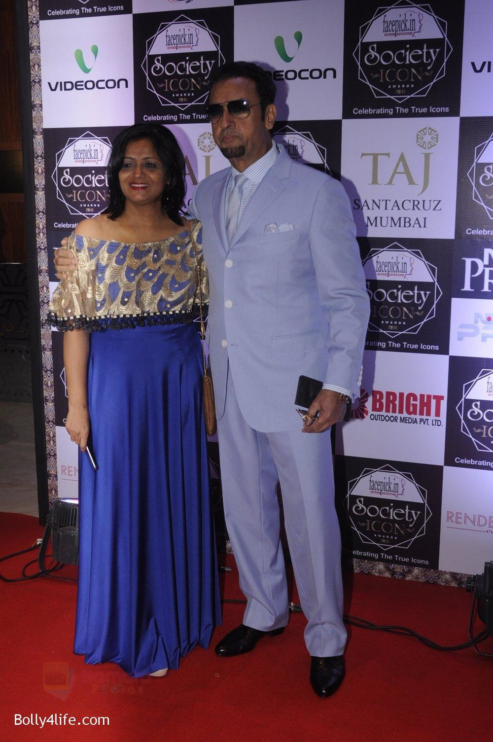 Gulshan-Grover-at-Society-Icon-Awards-on-2nd-Oct-2016-36.jpg